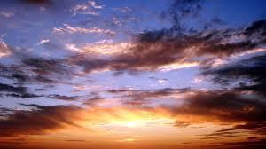 اگر بيند كه از آسمان بانگ و ندا مي شنود، دليل كند بر خير و سلامت.